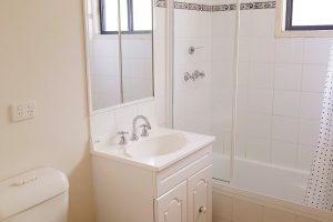 Cabin 24 Bath
